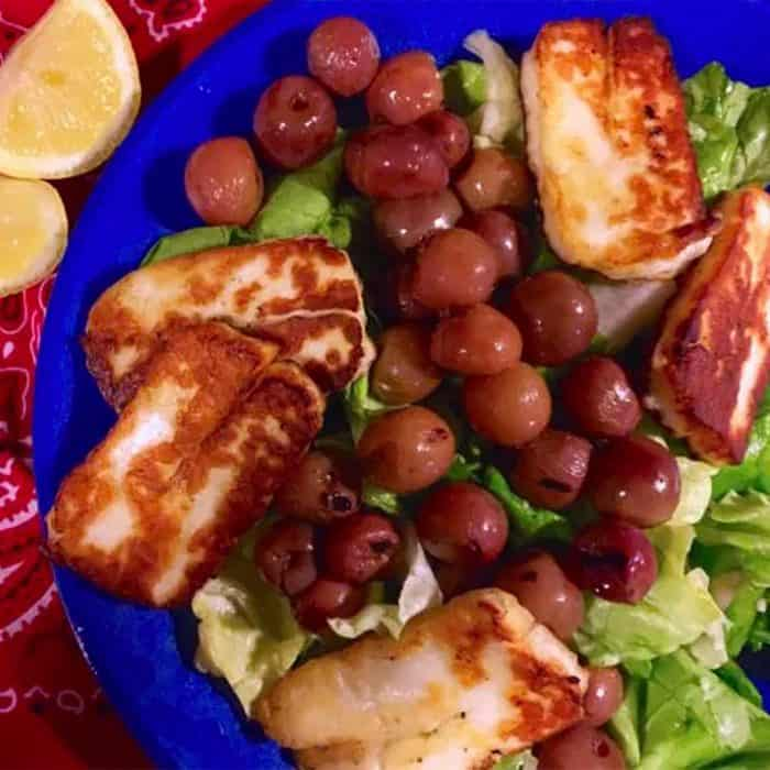 Tasty Salad with grilled grapes andhalloumi cheese.